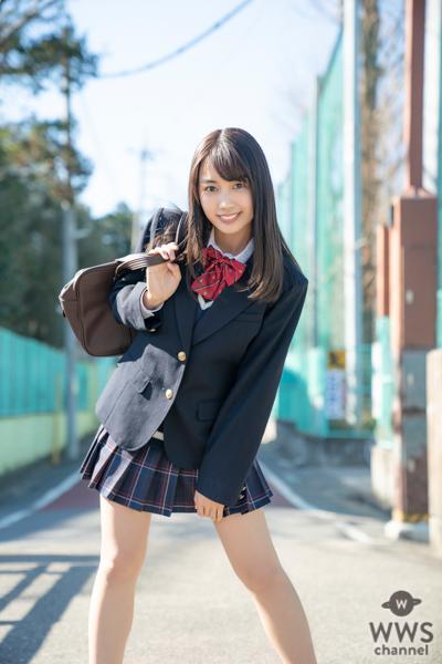 ハタチの現役女子高校生・黒木ひかりの制服アザーショット公開!