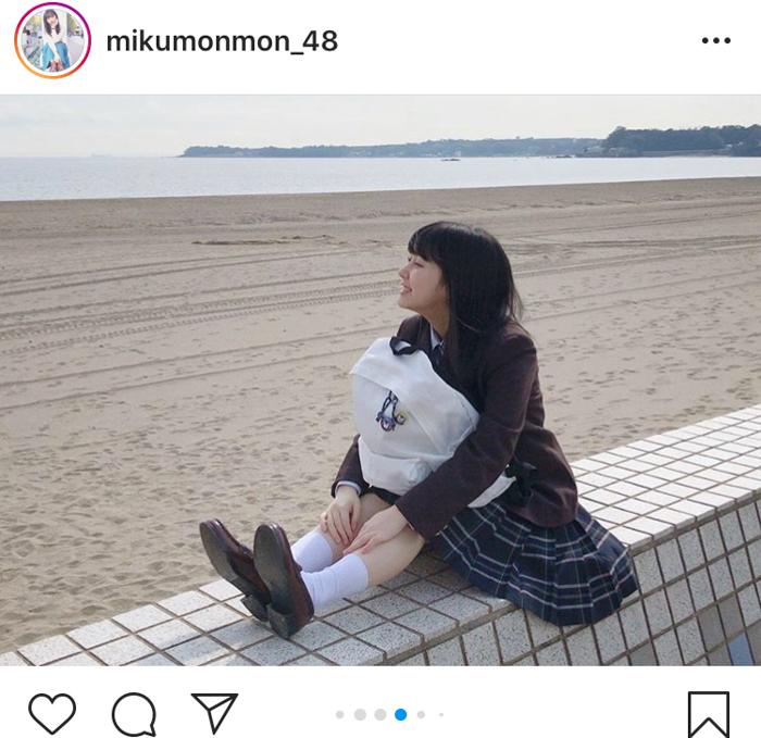 HKT48 田中美久、現役最後の海辺制服ショットに「最高です」「天使か!?」「永遠に見ていたなぁー!」と大反響