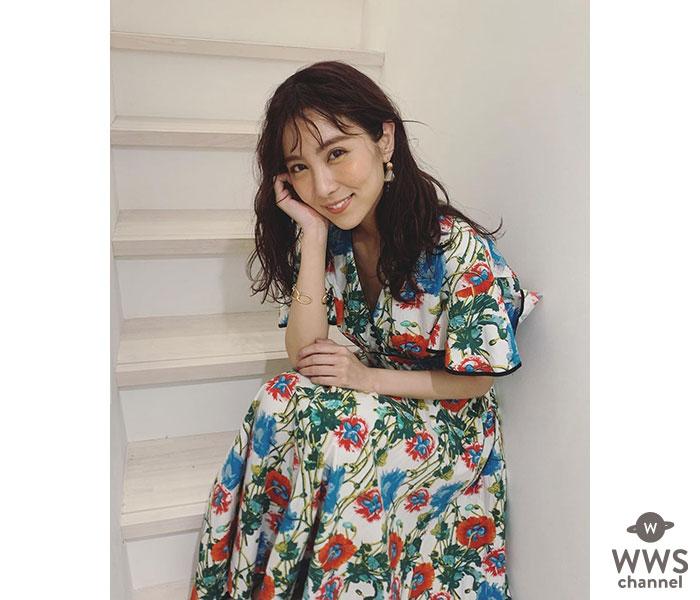 石川恋、笑顔の花柄ワンピース姿にファン歓喜!「本当にきれい」「石川恋の笑顔は最強」
