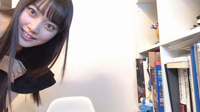 """ラストアイドル 間島和奏、テレワーク中の""""写り込み""""風写真が話題!「センスの塊」「これは仕事頑張れる」"""