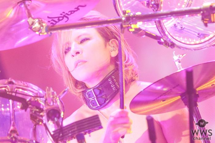 X JAPAN YOSHIKI、LAの自宅から初のセルフ生配信でフィジカルディスタンスの重要性を訴える