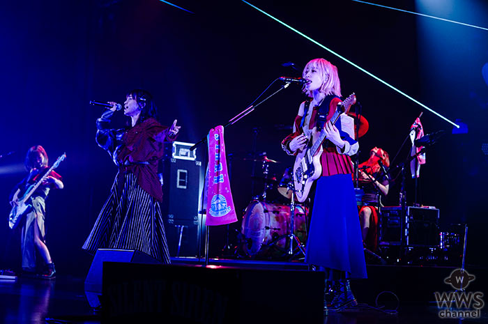 SILENT SIREN(サイサイ)、10周年記念アルバム発売でスペシャル無観客ライブ開催! Poppin'Party・愛美をゲストに迎えコラボステージも!