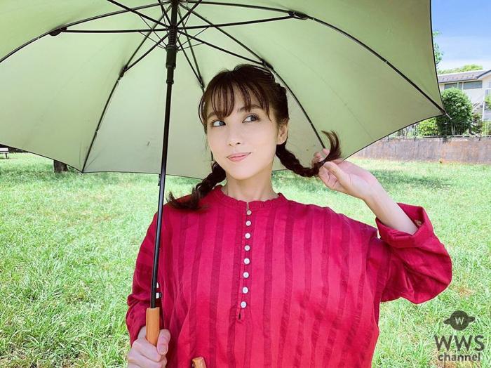 石川恋、ガーリー衣装&三つ編みおさげ姿にファン悶絶!!「メリーポピンズ」「なんてかわいい」