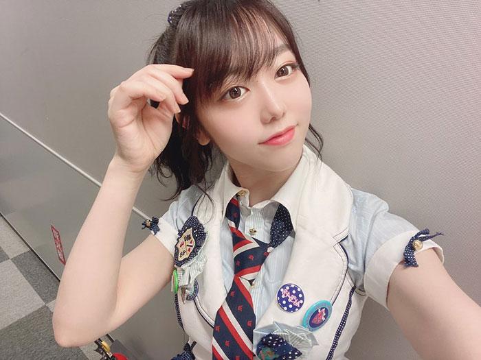 AKB48 峯岸みなみ、10年前の選抜衣装で『ポニシュシュ』ショット公開!「この髪型は若返らせてくれる」