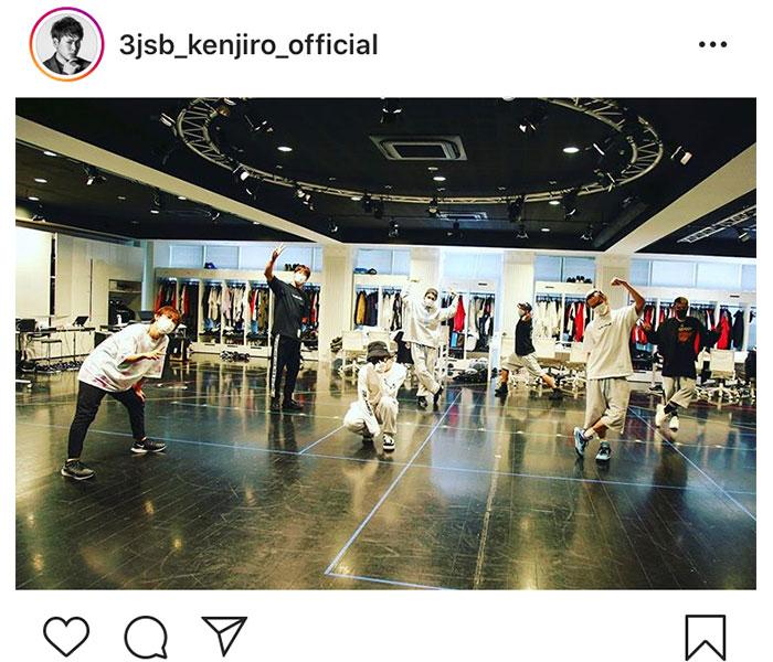 三代目JSB 山下健二郎、オンラインライブのリハ風景を公開「リハお疲れ様」「会えるの楽しみ」と期待の声