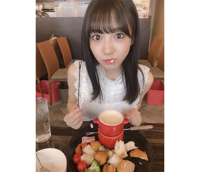 NMB48 横野すみれ、「恋人の日」にデート風の厳選ショットを大公開!「待ってました」「こんな子が恋人だったら・・・」