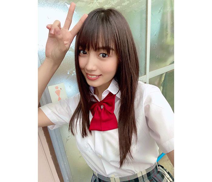 黒木ひかり、「月刊エンタメ」ゼロイチ企画の制服オフショット披露!「さすが現役女子高生!」「同級生になりたかった」