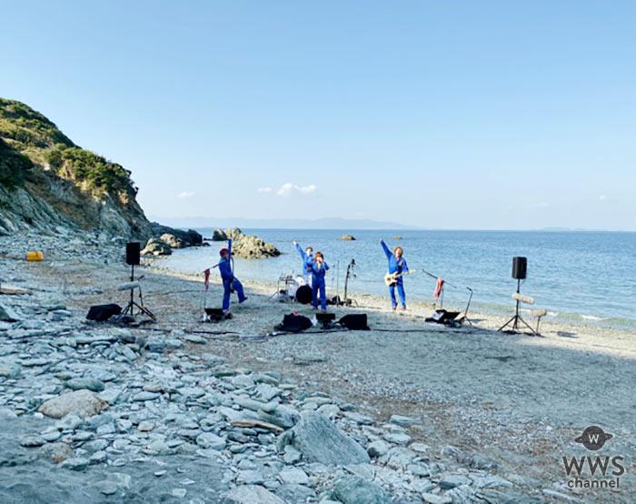 ゴールデンボンバー、去年11月の無人島ライブ以来の無観客ライブ配信決定!