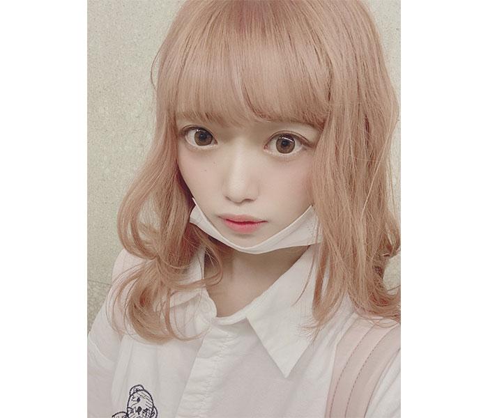 NGT48 中井りか、人形のようなハイトーンのヘアカラーショット披露「神々しくてとーっても好き」