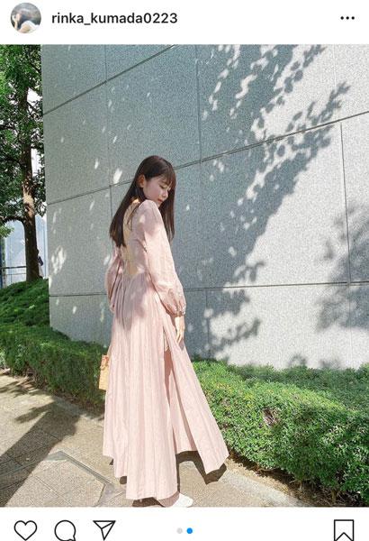 久間田琳加、大胆背中出しのワンピース姿に「エレガントな装い」「天使だ」と反響