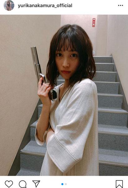 中村ゆりか、ハードボイルドなキメ顔ショットで悩殺!「真顔で撃ってそう」