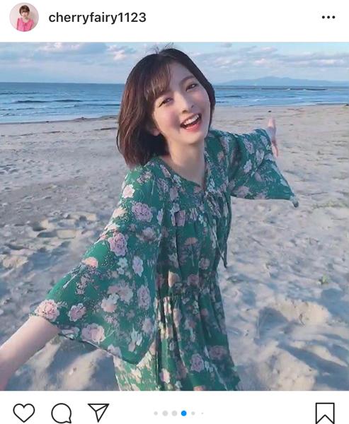 菅原りこ、愛犬との思い出の海で過ごす晩夏