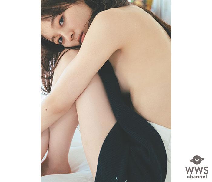 乃木坂46 梅澤美波、写真集より大胆に背中見せたニット姿の先行カット公開