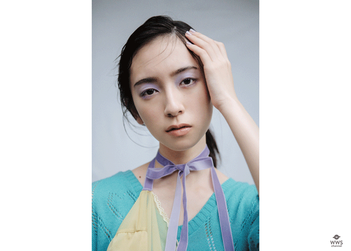 日向坂46の2期生の金村美玖(18)が、光文社のファッション誌『bis』11月号(10月1日〈木〉発売)からレギュラーモデルとなることが決まった。 2019年1月号に初登場して以来、ファッションページに幾度も登場! キュートな笑顔とスレンダーなスタイルで、bis世代から熱い指示を得ているが、誌面を飾るたびに、可愛いから大人っぽく進化を遂げている。レギュラーモデルとして、初めての誌面となる『bis』11月号では、「FOLLOW MY SEVEN HEART 日向坂46 金村美玖 ときめきハートを探して」と題して、ソロでファッション企画に登場している。