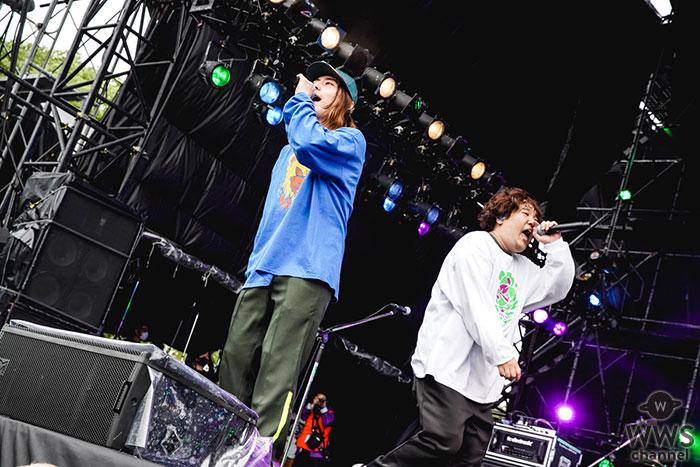 ビッケブランカ、大阪野外イベントでサプライズ登場の岡崎体育と令和最強の友情ソング「化かしHOUR NIGHT」をライブ初披露!