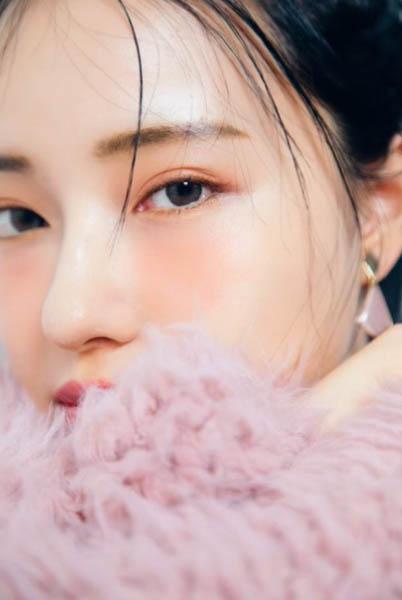 NMB48・村瀬紗英の美しすぎるメイクショット 「どのおさえも素敵だなぁ」「おさえ可愛い」