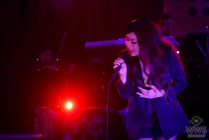 JUJU、JUJUの日(=10月10日)にオンラインライヴ開催!「奏(かなで)」「LA・LA・LA LOVE SONG」など全14曲を熱唱