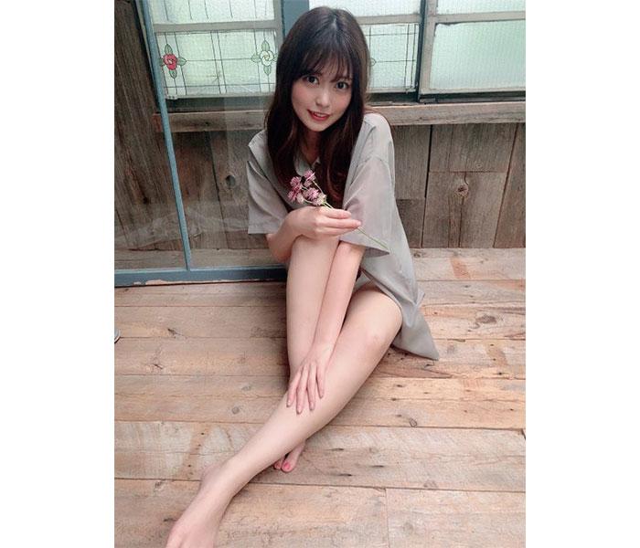 前田亜美、スレンダーな美脚ショットに視線釘付け!「綺麗な御御足」「羨ましい」