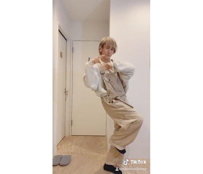 CUBERS 末吉9太郎、NMB48の「なんでやねんダンス」をキュートに披露!「NMBオタクだからわいたー!」