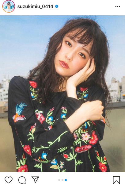 鈴木美羽の新アーティスト写真に若月佑美、谷まりあもコメント!お気に入りカットは「全部」