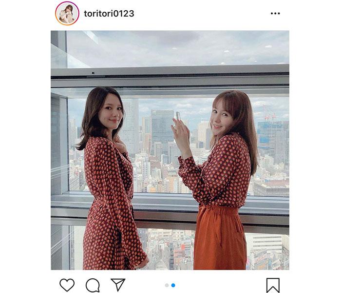 トリンドル玲奈&瑠奈、仲良し双子コーデショットに歓喜の声!「天使が2人」「綺麗すぎる」
