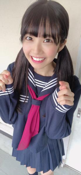 天羽希純の神々しい紺セーラー服ショットを公開!「こんな時代があったのかぁー」
