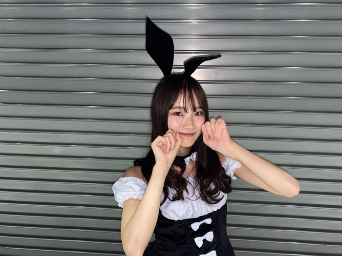 SKE48 石川花音、昇格後初のハロウィンコスプレは白黒バニーガール!「ドキドキが止まりません」