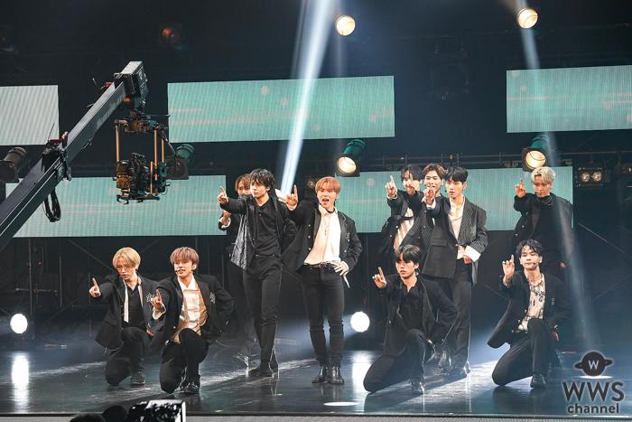 JO1、特別賞「Rising Star Award」受賞!ステージで新曲『Shine A Light』をパフォーマンス<MTV VMAJ 2020>
