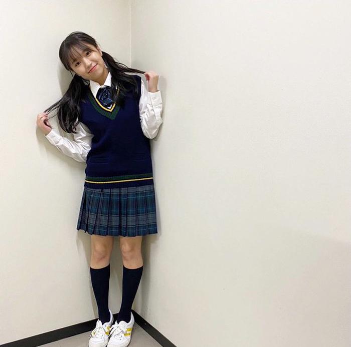大原優乃、ツインテールの制服ショットにファン歓喜!「最高すぎる」「すっごく似合ってる」