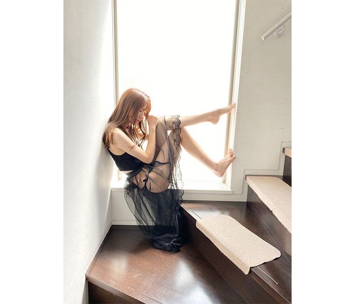 ニジマス 吉井美優、ヘルシーさと色気が調和した超絶美麗のオフショット公開!「綺麗すぎてため息でちゃう」