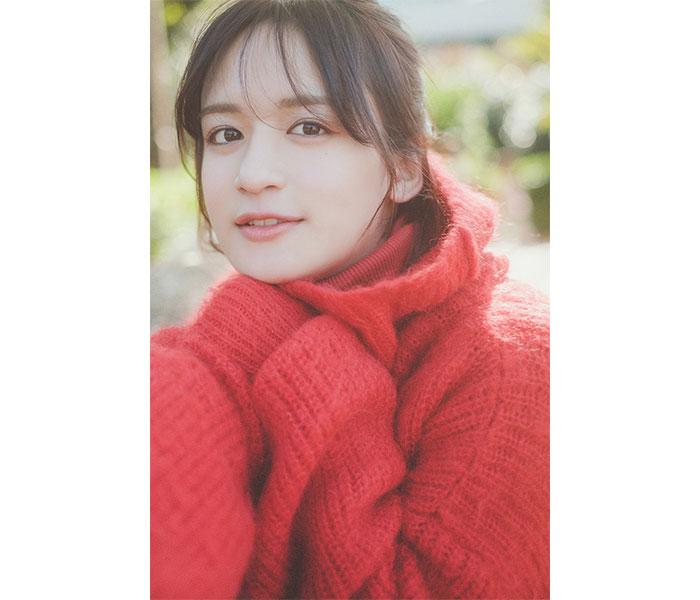 現役女子高生アーティスト・山出愛子、新曲「365日サンタクロース」をリリース