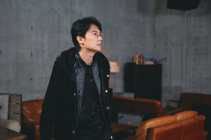 音楽デビュー30周年を迎える福山雅治が新作『AKIRA』全曲解説をオンエア! ~スペースシャワーTV 12月のマンスリーアーティスト「V.I.P.」は福山雅治~