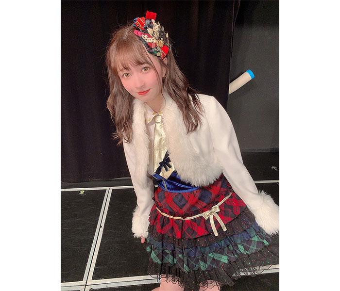 SKE48 江籠裕奈、天使級のクリスマス衣装にく・ぎ・づ・け!グラビア掲載の告知も!
