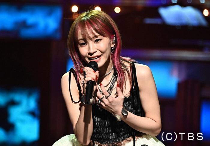 LiSA、初のレコード大賞で『炎』を歌い上げる!<第62回 輝く!日本レコード大賞>