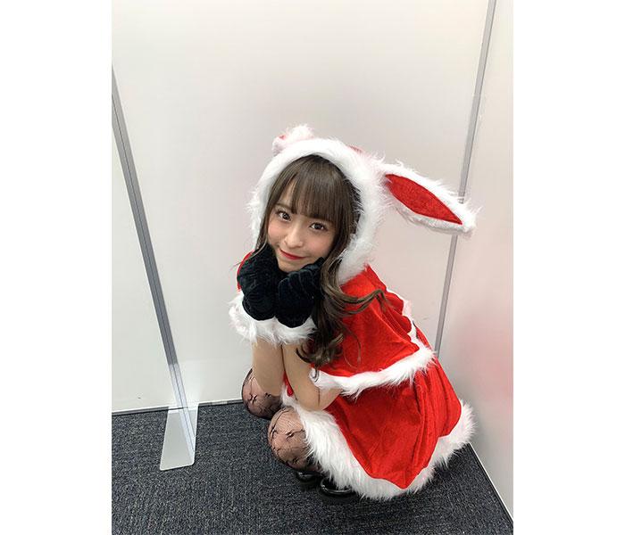 NMB48 清水里香、ウサギ耳&黒網タイツのセクシーサンタ姿に大反響!