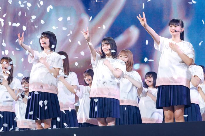 """【ライブレポート】櫻坂46、""""約束の地""""で初のライブパフォーマンス!"""