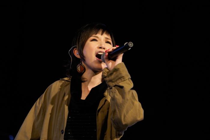 Superfly、50人のオーケストラと『愛をこめて花束を』をリハーサル<第71回NHK紅白歌合戦>