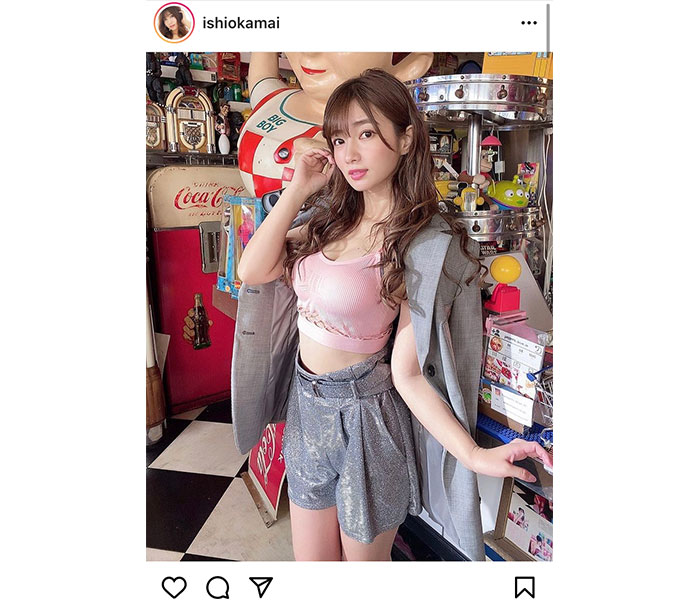 恵比寿マスカッツ 石岡真衣、お腹チラ見せ衣装に釘付け!「めっちゃいい女です」