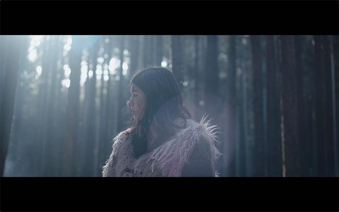 ViVi専属モデル・アリアナさくら、TVアニメ『呪術廻戦』エンディングテーマ「give it back」MVに出演!