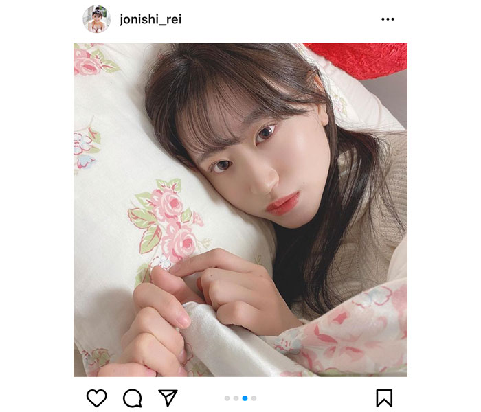 NMB48 上西怜、「おやすみ」の添い寝風ショットに反響!「その寝顔!待ってました」