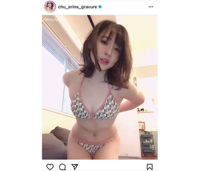 中崎絵梨奈、まるで着替え中のようなビキニオフ動画に反響!