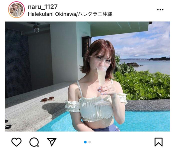 川崎成美、沖縄でグラス片手にヘルシーボデイを披露