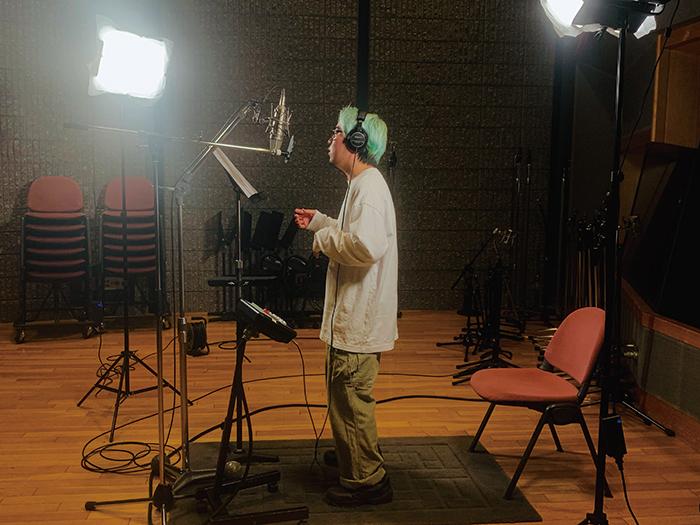 菅田将暉の弟、菅生健人が、自身が作詞したオリジナル楽曲「クイーンベッド」(MV) をYouTubeで公開!