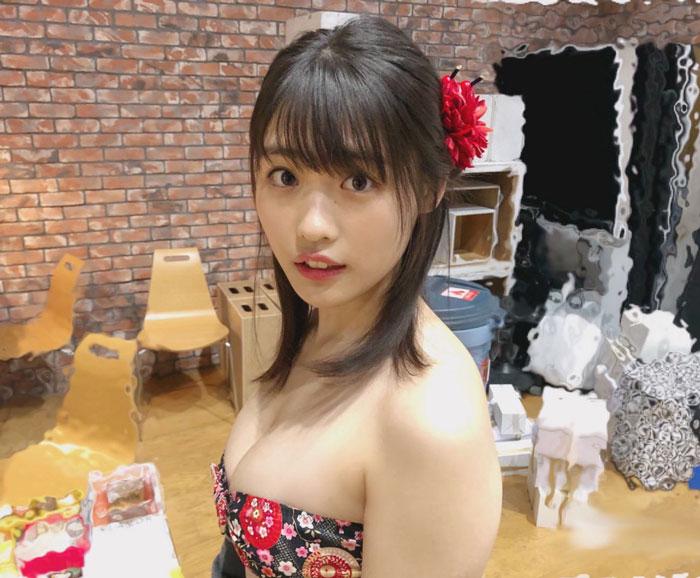 石田桃香、縁起の良い新年グラビアのオフショット公開!「可愛さの塊」