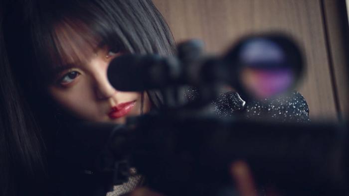 齋藤飛鳥はライフル、生田絵梨花は2丁拳銃で狙い撃ち!「荒野行動」コラボ楽曲MV解禁