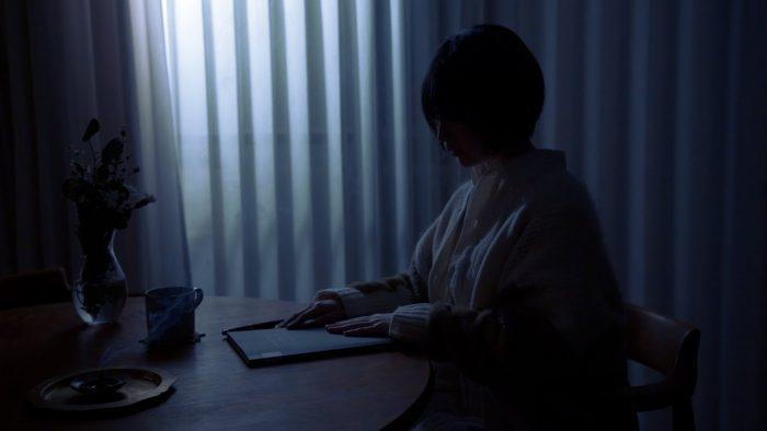 家入レオ、作詞を手掛けた『Moon』のリリックビデオが公開