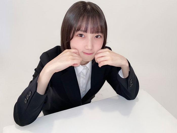 STU48 甲斐心愛、まるで新入社員なスーツ姿に反響!「いくらでも面倒見るよ」