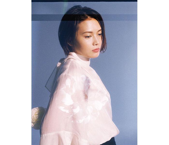 YUI、デビュー記念日に2012年日本武道館ライブをYouTubeプレミア公開決定