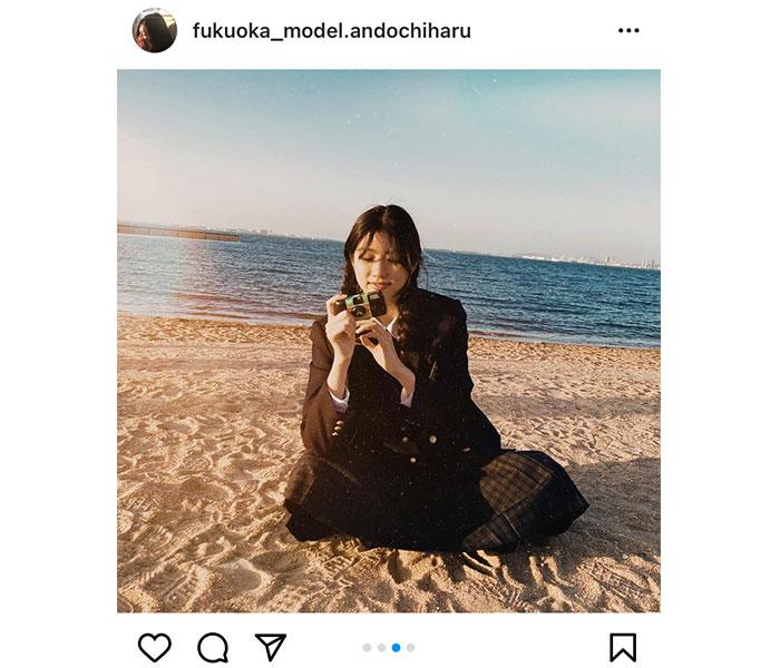 """安藤ちはる、三つ編みの制服コーデで写し出す""""エモさ"""""""