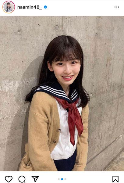 """AKB48 浅井七海、「マジすか」""""センター""""のようなセーラー服コーデを披露"""